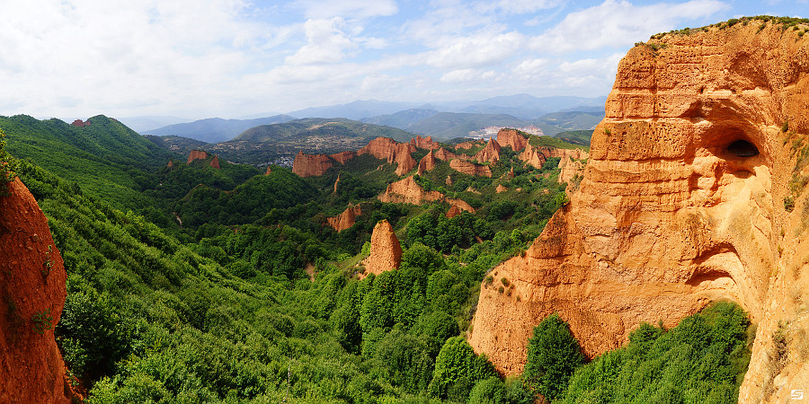 Spain - Las Medulas - Roman Gold Mountains